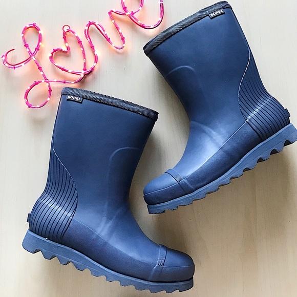 1fa76805b99e Sorel joan wedge rain short boots. NWT. Sorel.  115  999. Size. 8